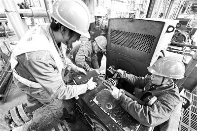 四川石化开展高温高危泵机封技术改造项目